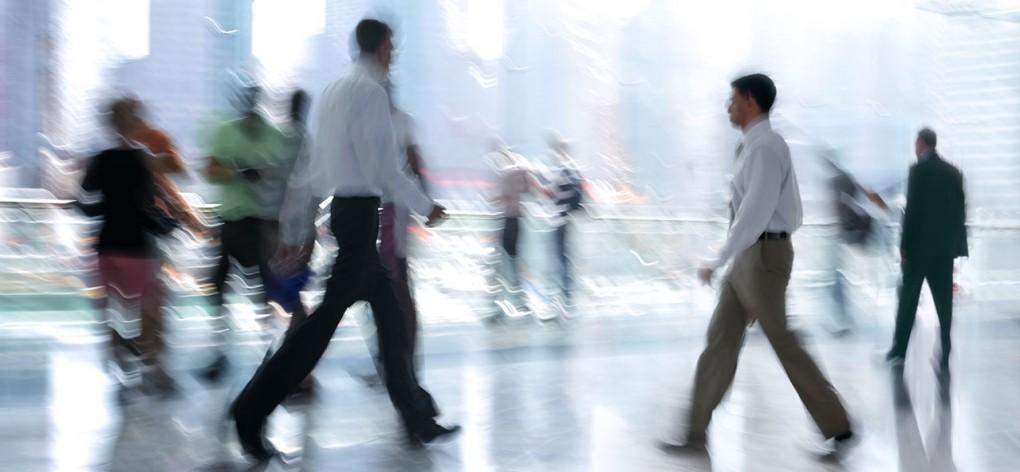 McMM-slider-1280x592-business-people-blur-2-2